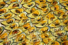 Garlicky Clams and Mussels with Cheese